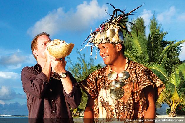 Robin shooting in Cook Islands