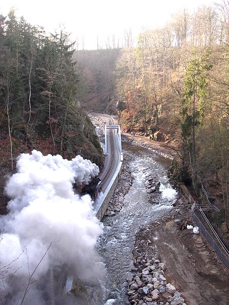 photo of our train track by wikimedia
