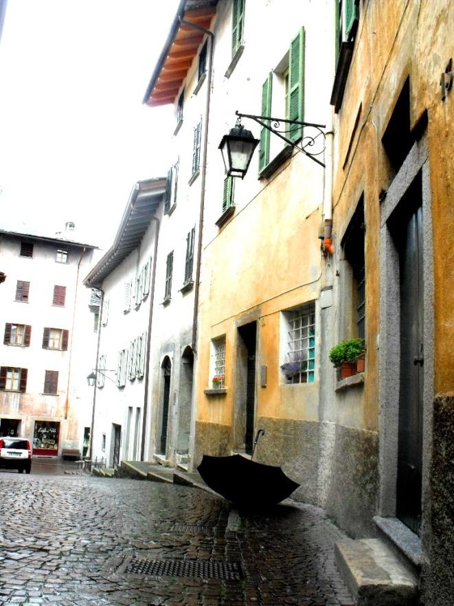 Chiavenna sidewalk
