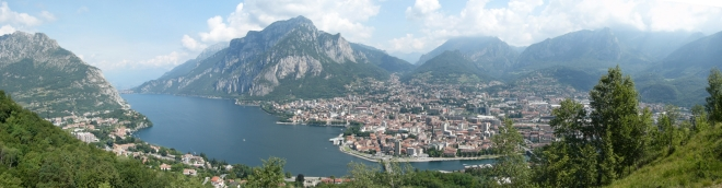 Photo of Lake Como by Wikimedia